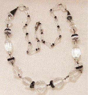 Art Deco Faceted Glass Bead Necklace in Clear and Black - Click Image to Close