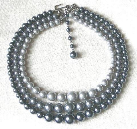 Vintage Triple Strand Graduated Bead Necklace in Gray Tones