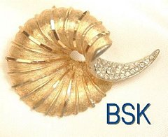 Vintage BSK Calla Lily Brooch Gold Tone Rhinestone Accents